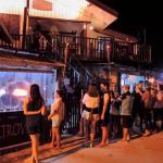 夜遊びパラワン島エルニドのおすすめのバー、レストランは?